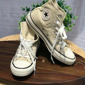 Converse High Tops🍁🍂Size 4